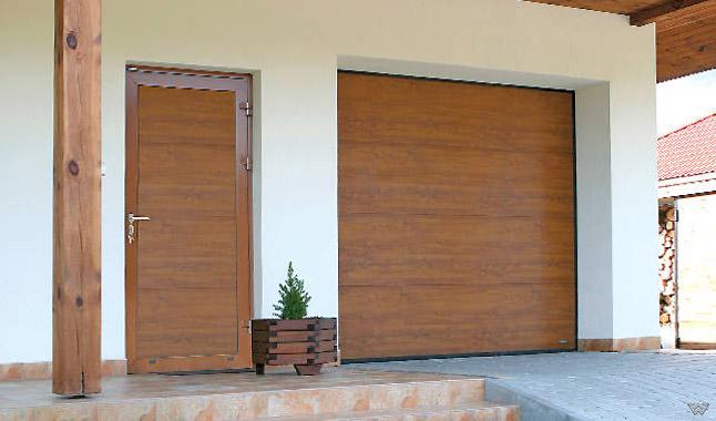 Garagentor mit nebentür  Nebeneingangstüren